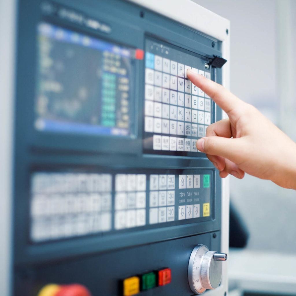 Na jakie postawić rozwiązania z zakresu sterowania maszyn?